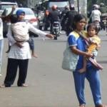 Lạ lùng dịch vụ đi nhờ xe được tiền ở Indonesia - ảnh 1